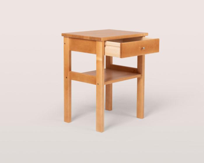Peggy yöpöytä -2